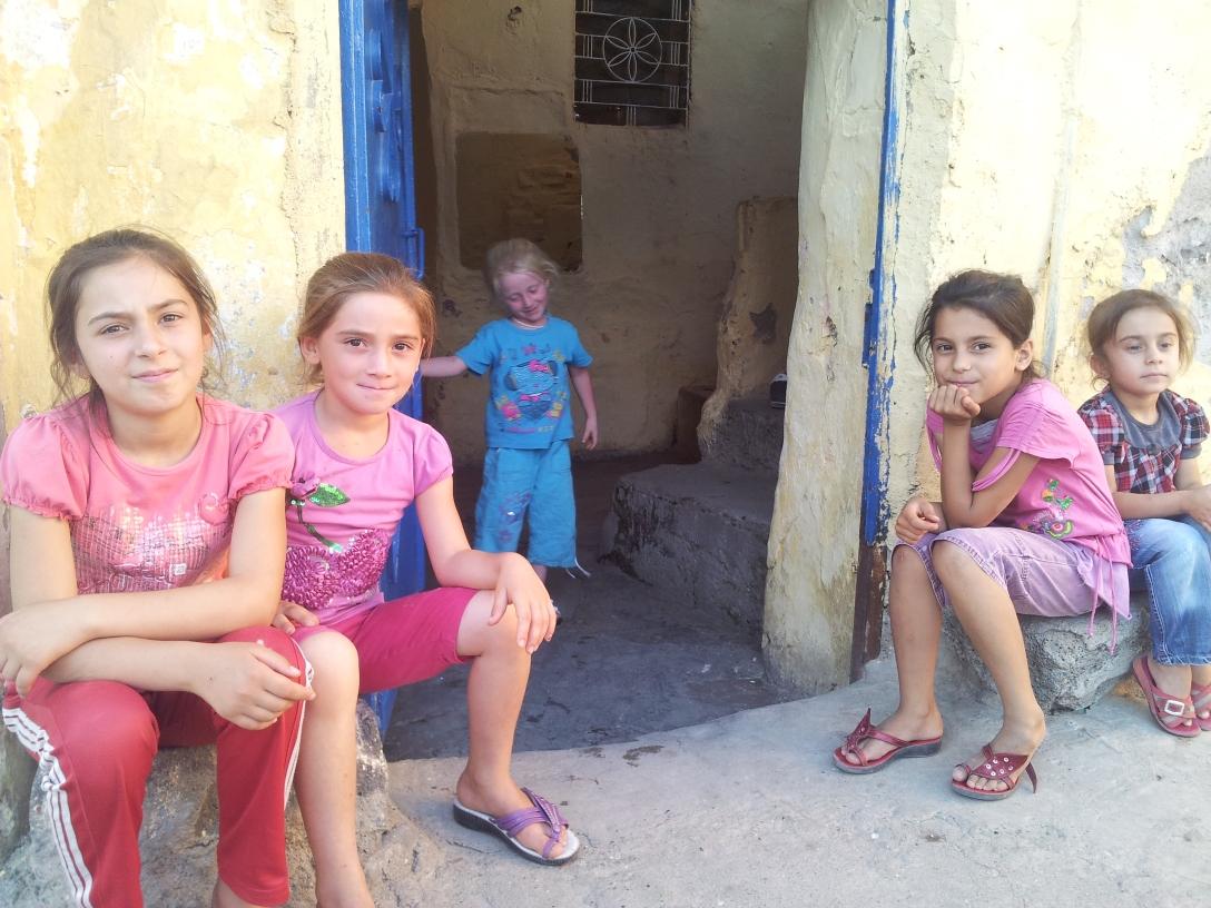 Friendly children in Diyarbakır