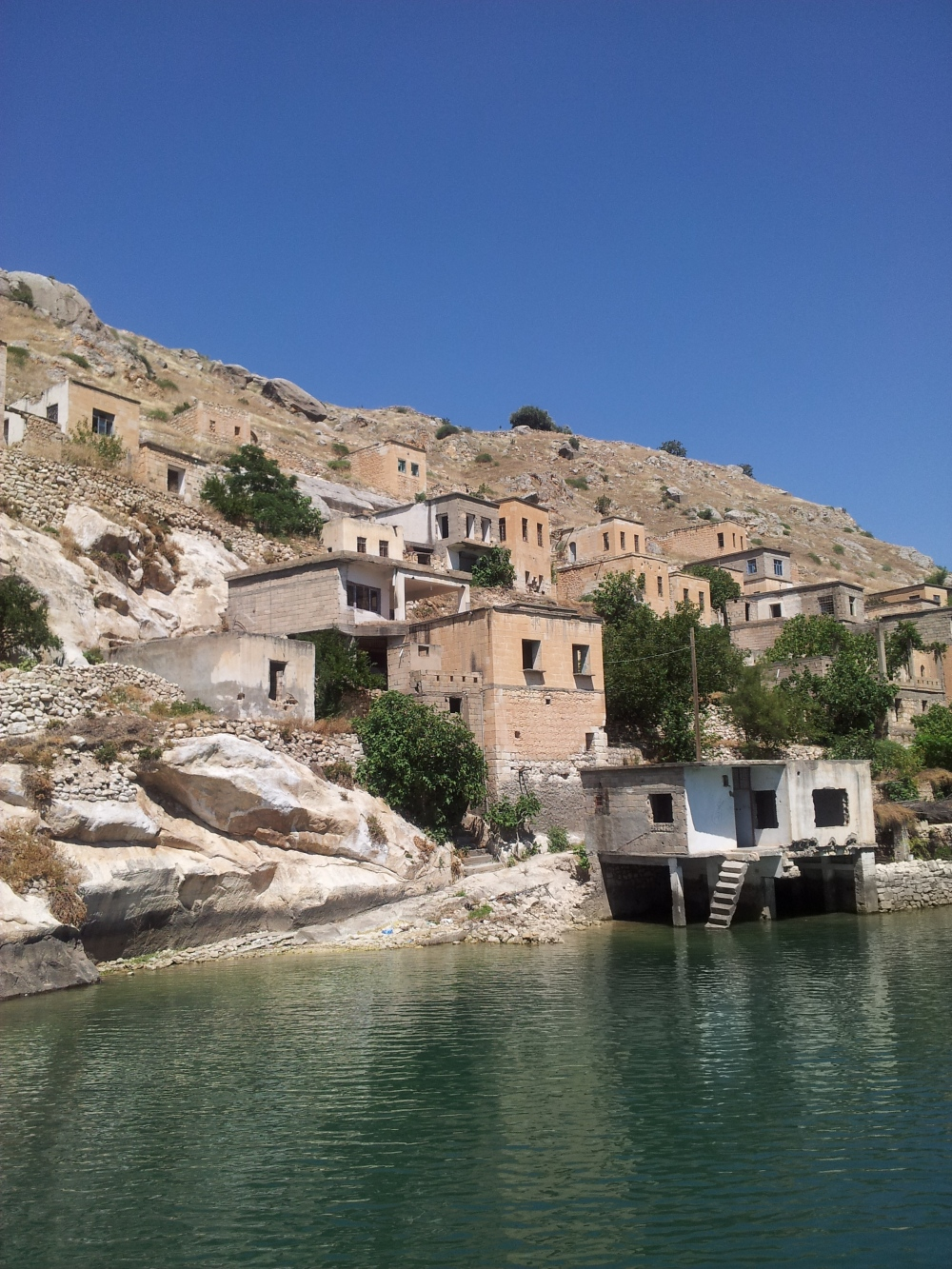 Savaşan Köyü is now a ghost village except for 2 families who still live there.