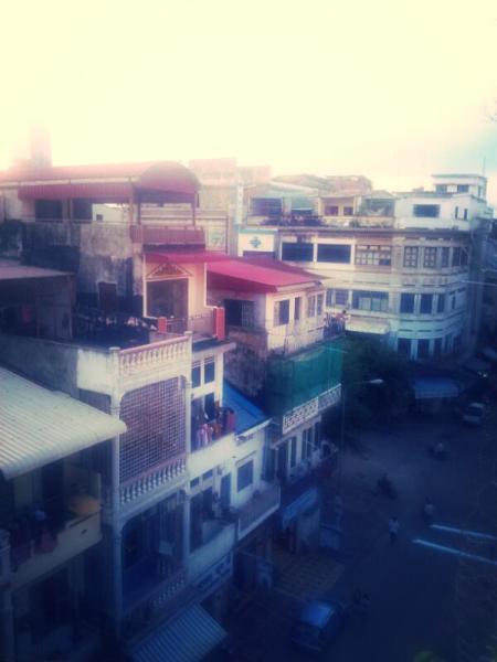 A Phnom Penh street